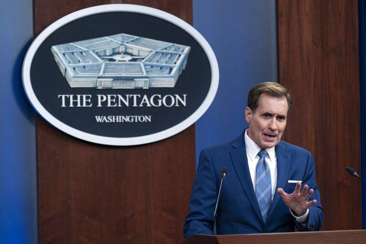 Juru bicara Pentagon John Kirby berbicara dalam konferensi pers di Pentagon, Kamis, 8 Juli 2021, di Washington DC.