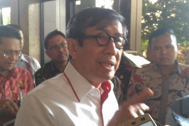 Menteri Hukum dan HAM Yasonna Laoly di kompleks Kemenkumham, Jakarta, Jumat (3/2/2017)