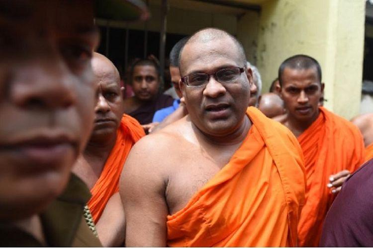 Biksu kontroversial Sri Lanka, Galagodaatte Gnanasara.