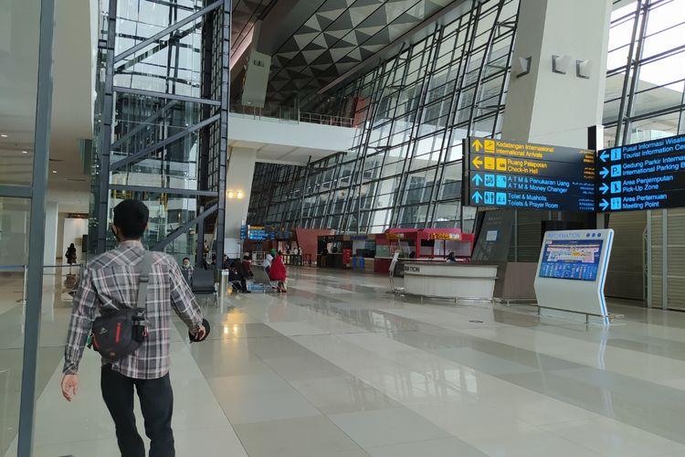 Terminal 3 Bandara Soekarno-Hatta tampak sudah sepi dan tidak lagi dipenuhi oleh penumpang pesawat yang mendarat, Selasa (29/12/2020) pagi.