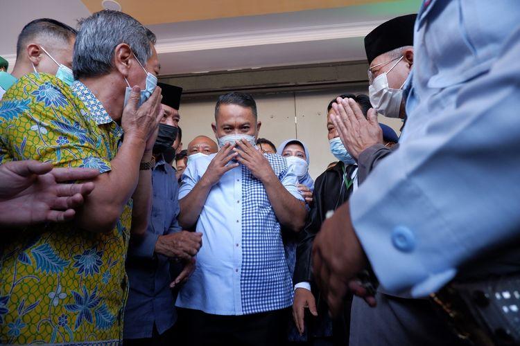 Mantan Wali Kota Cilegon Tubagus Iman Ariyadi bebas menjalani empat tahun penjara dari Lapas Serang