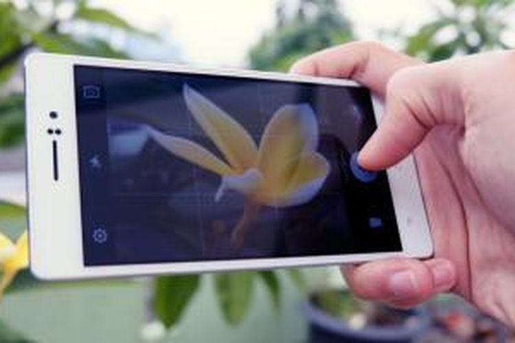 Kamera Oppo R5 dibekali sejumlah fitur tambahan, salah satunya adalah Super Macro