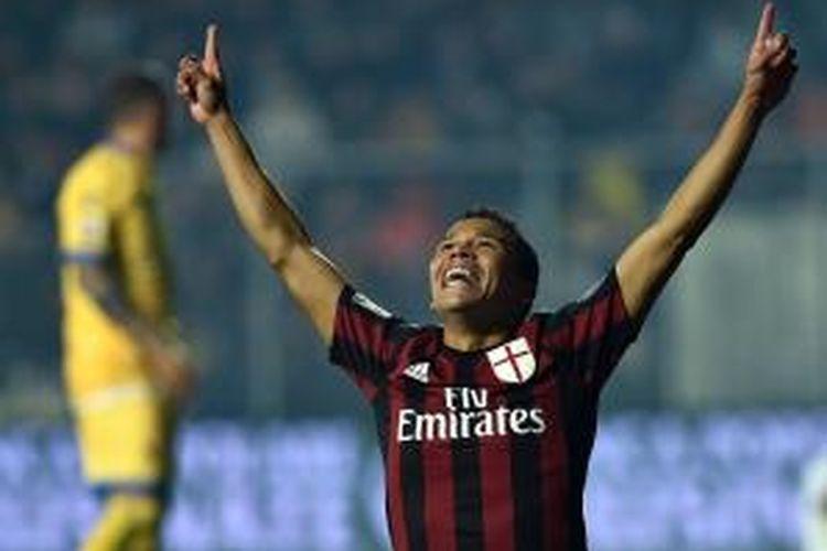 Penyerang AC Milan, Carlos Bacca, menjadi aktor utama di balik kelolosan timnya ke babak semifinal Coppa Italia 2015-2016.