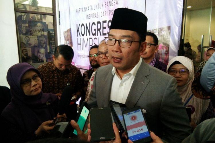 Gubernur Jabar Ridwan Kamil saat ditemui usai menghadiri Kongres Nasional Himpunan Psikolog Indonesia di Hotel Preanger, Bandung, Jumat (7/9/2018).