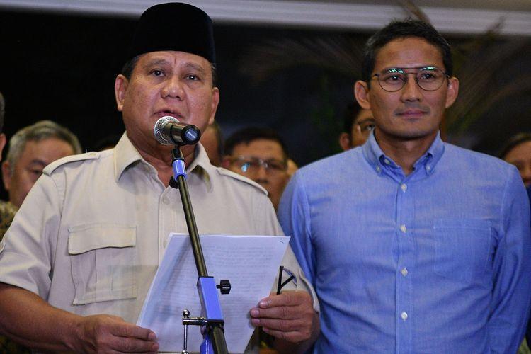 Calon Presiden dan Wakil Presiden nomor urut 02 Prabowo Subianto dan Sandiaga Uno memberikan keterangan pers terkait putusan MK tentang perselisihan hasil pemilihan umum (PHPU) Pilpres 2019 di Jakarta, Kamis (27/6/2019). ANTARA FOTO/Sigid Kurniawan/aww.