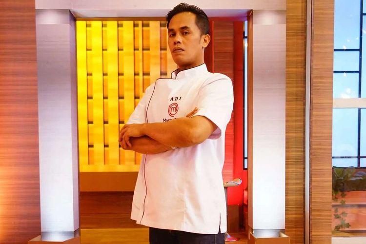 Lord Adi MasterChef Indonesia Season 8 dapat kado uang Rp 50 juta dari orang tak dikenal.