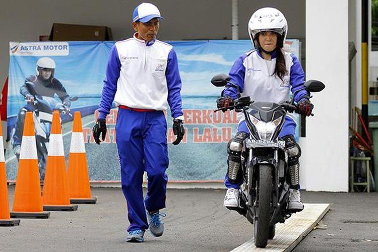 Safety riding cours bersama Astra Motor Yogyakarta