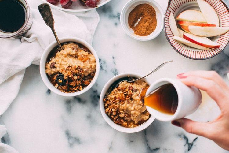 Sirup maple biasa digunakan sebagai pemanis makanan, namun bisa juga digunakan sebagai pengganti gula pada kopi.
