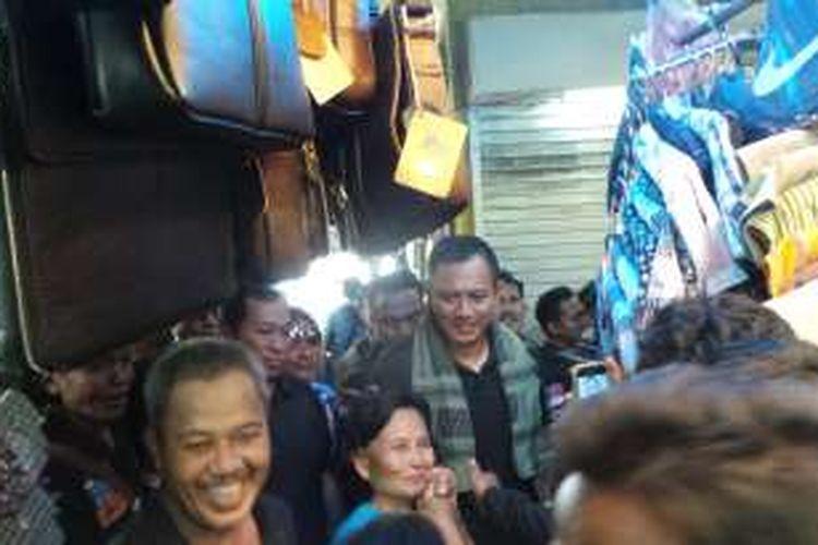 Calon gubernur DKI Jakarta Agus Harimurti Yudhoyono saat berkampanye di Pasar Ular, Koja, Jakarta Utara, Rabu (28/12/2016).
