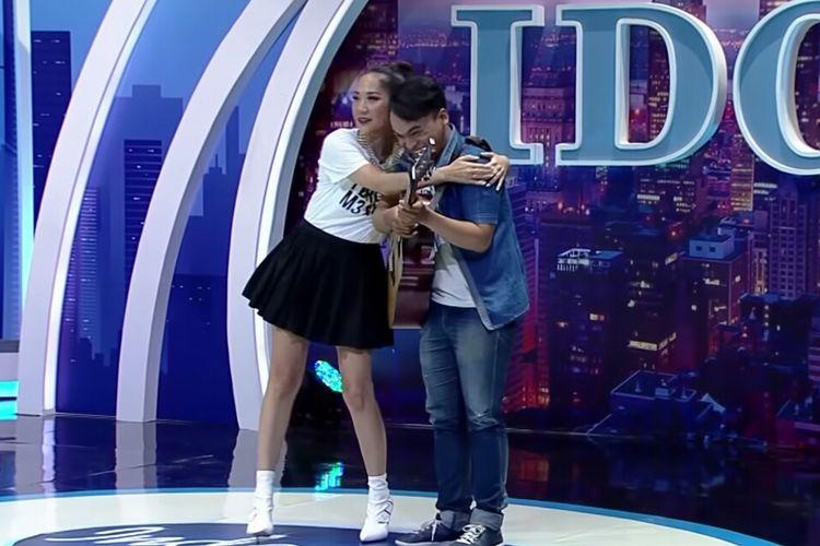 Penampilan Holly di audisi Indoneaian Idol X. (Tangkapan layar kanal YouTube Indonesian Idol)