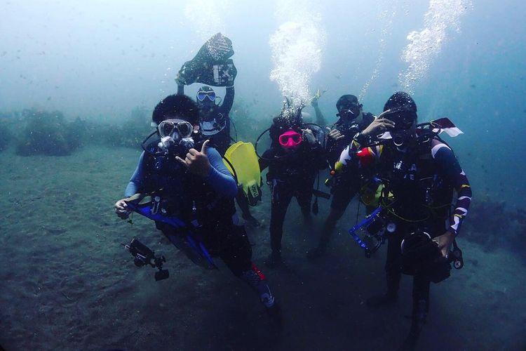 Wisata selam oleh operator Oye Selam Indonesia