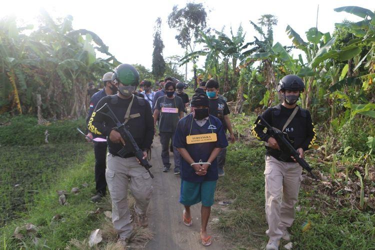 Rekonstruksi kasus sodomi yang dilakukan K (31) terhadap 30 anak di Kabupaten Cilacap, Jawa Tengah, Kamis (23/7/2020).