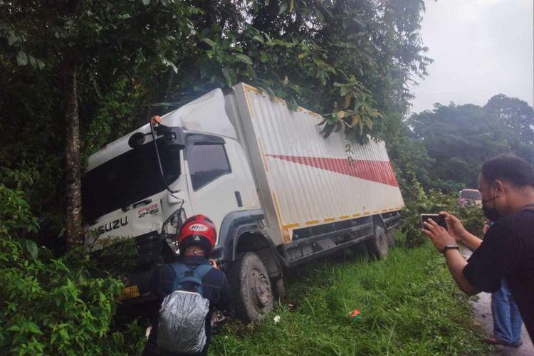 Tabrakan beruntun di Sitinjau Lauik akibatkan ibu dan anak tewas, Kamis (15/4/2021)