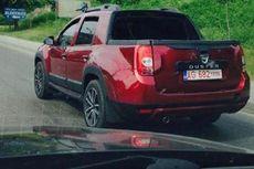 Pikap Kabin Ganda Renault Duster Tertangkap Kamera