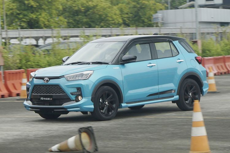 Toyota Raize GR. Varian teratas SUV Kompak dengan fitur keselamatan lengkap Toyota Safety Sense