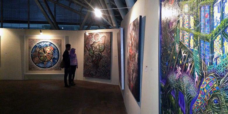 Suasana di salah satu sudut tempat pameran seni Arto Morrow di WEP, Gresik, Jatim, pada 21-27 Oktober 2017.
