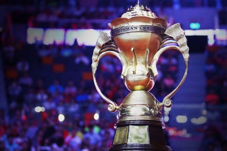 Trofi Piala Sudirman yang diperebutkan pada kejuaraan beregu campuran antar negara, Piala Sudirman 2017, di Gold Coast, Australia, 21-28 Mei.