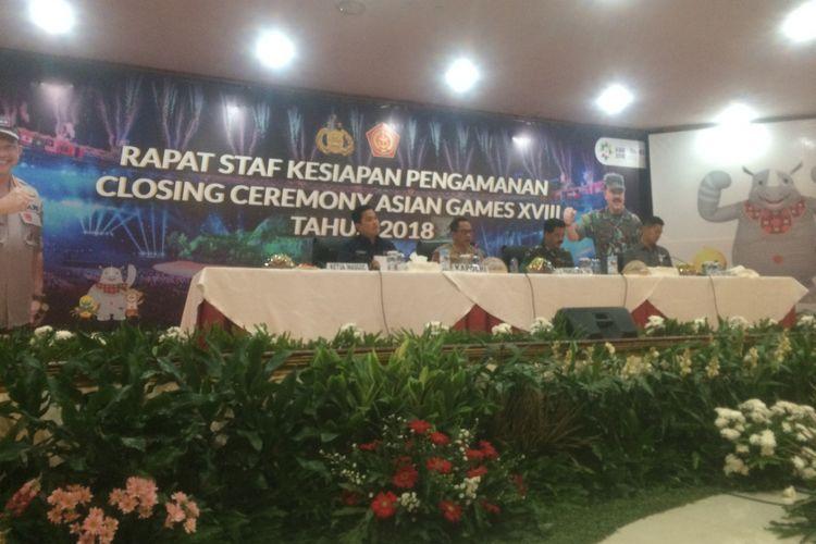 Kapolri Jenderal (Pol) Tito Karnavian usai menggelar rapat pelaksanaan pengamanan closing ceremony atau upacara penutupan Asian Games 2018 di Balai Pertemuan Polda Metro Jaya, Jakarta Selatan, Kamis (30/8/2018).