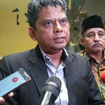 Perwakilan PP Muhammadiyah, Iwan Satriawan, usai rapat dengar pendapat antara Komisi II dengan perwakilan Nahdlatul Ulama dan Muhammadiyah terkait Perppu Ormas yang digelar di gedung DPR, Jakarta, Selasa (17/10/2017).