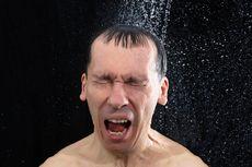 Mandi Air Dingin Bisa Turunkan Berat Badan, Benarkah?