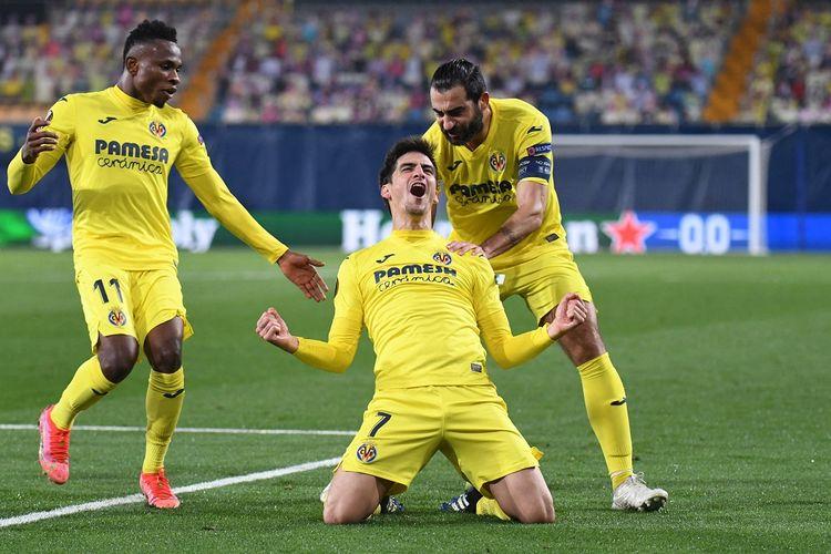 Penyerang Villarreal, Gerard Morena (7), merayakan gol ke gawang Dinamo Zagreb pada leg kedua perempat final Liga Europa di Estadio de la Ceramica, Spanyol, Jumat (16/4/2021) dini hari WIB.