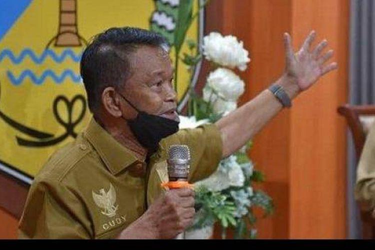 Gubernur Sulawesi Tengah Rusdi Mastura meminta Ali Kalora dan kelompok Mujahidin Indonesia Timur (MIT) menyerahkan diri.