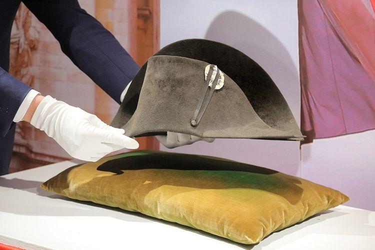 Topi Bicorne Napoleon Bonaparte