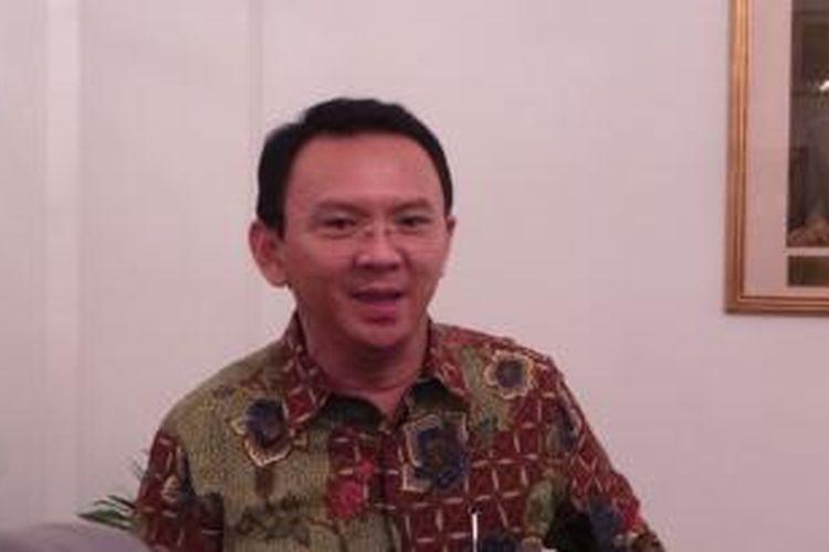 Gubernur DKI Jakarta Basuki Tjahaja Purnama saat wawancara wartawan, di Balai Kota, Rabu (6/1/2016).