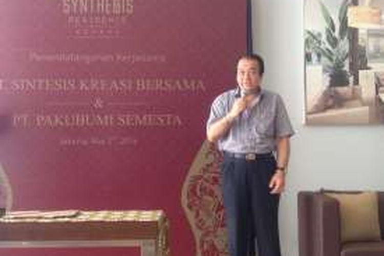 Presiden Direktur PT Pakubumi Semesta Agus Budiarto di Synthesis Residences, Jakarta, Senin (2/5/2016).