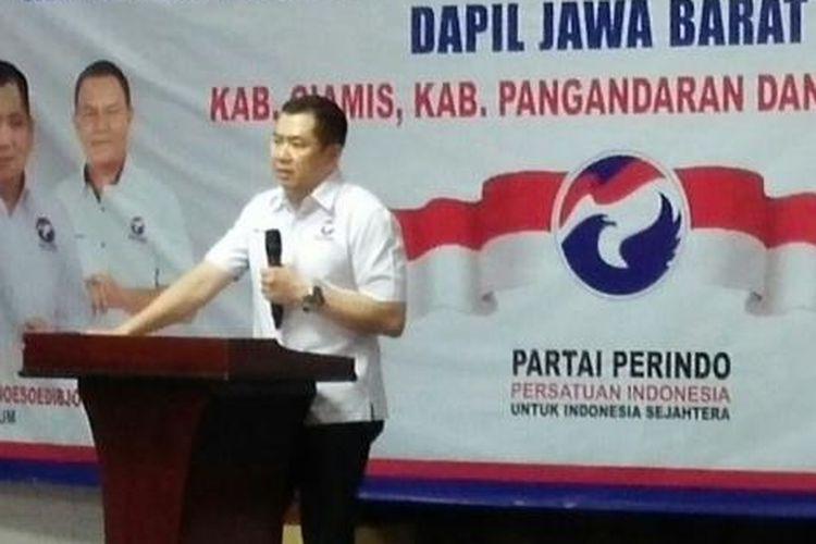 Ketua Partai Perindo Hary Tanoesoedibjo saat mengunjungi daerah Ciamis dan Tasikmalaya, Jawa Barat, Kamis (10/12/2015).