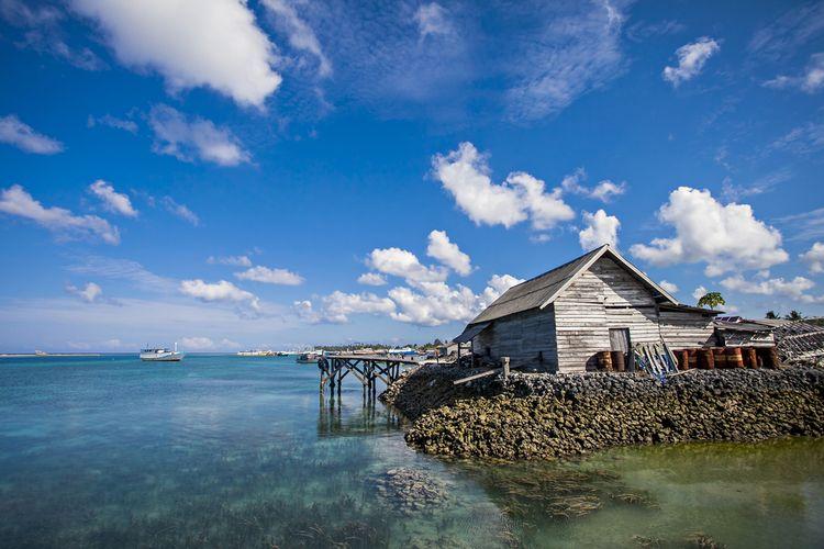 Rumah suku Bajo di Pulau Wangi-Wangi.