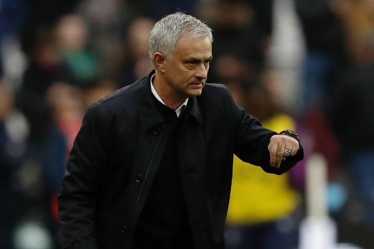 Jose Mourinho melakoni debutnya sebagai pelatih Tottenham Hotspur pada pertandingan West Ham vs Tottenham dalam lanjutan Liga Inggris di Stadion London, 23 November 2019.