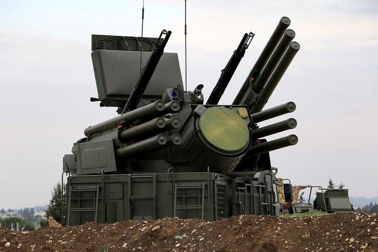 Sistem pertahanan udara Rusia di pangkalan udara Khmeimim di Suriah.