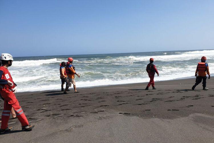 Pencarian Korban Pantai Goa Cemara oleh SAR Gabungan Jumat (7/8/2020)