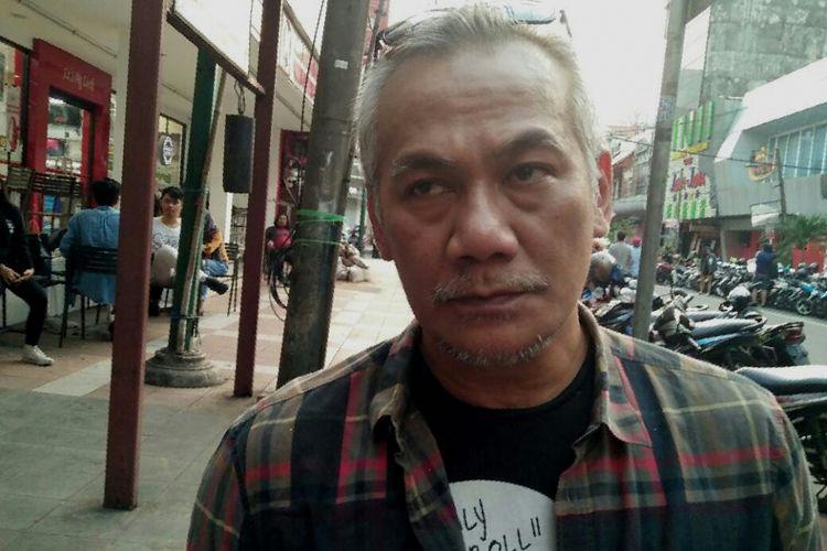 Tio Pakusadewo saat ditemui di kedai Filosopi Kopi, Melawai, Jakarta Selatan, Senin (3/7/2017).