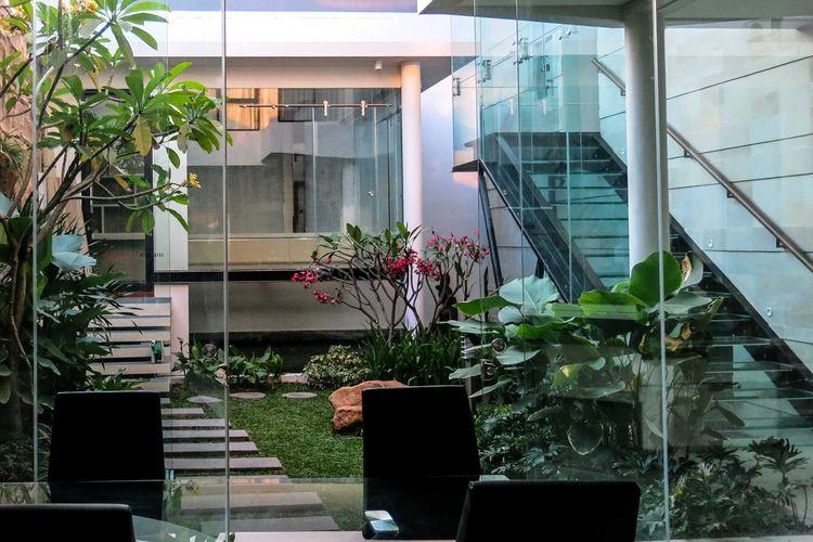 Desain courtyard layout tanaman karya Arnold Iskandar G Intan