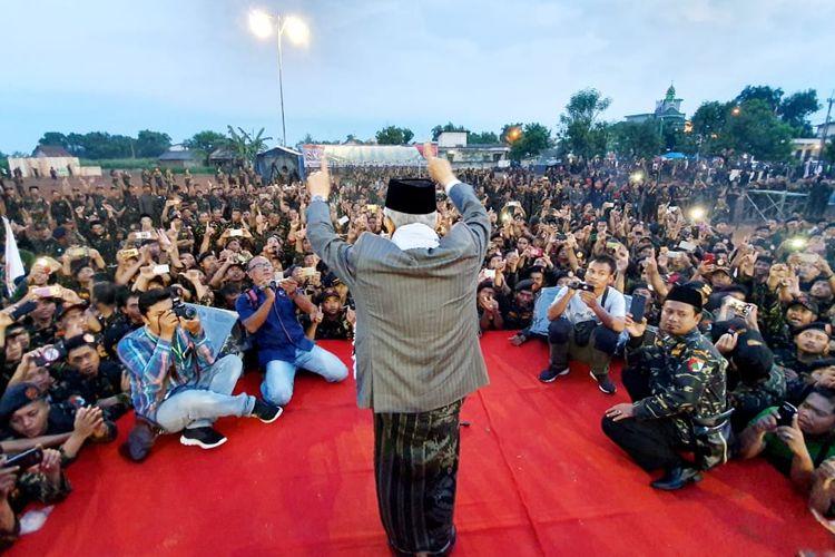 Maruf Amin di hadapan ribuan Banser di Lamongan, Jawa Timur.