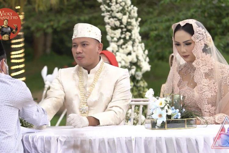 Vicky Prasetyo dan Kalina Ocktaranny resmi menikah pada 13 Maret 2021