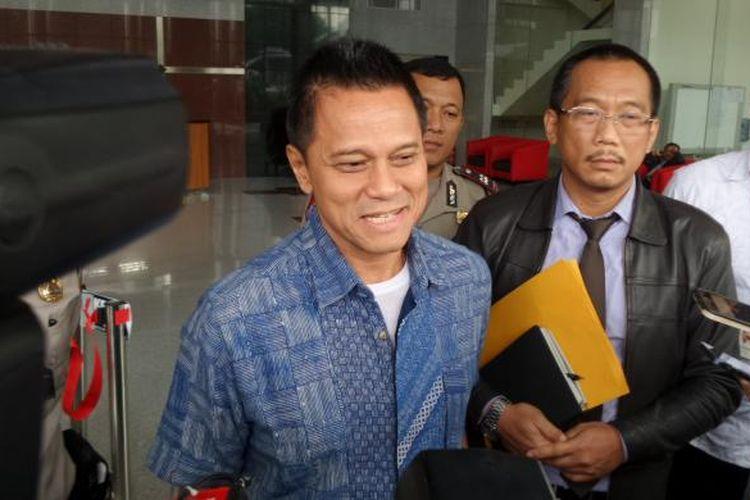Direktur Utama PT Mugi Rekso Abadi Soetikno Soedarjo seusai diperiksa sebagai tersangka di Gedung KPK Jakarta, Selasa (14/2/2017).