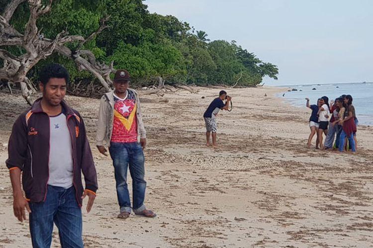 Pantai Doreng di Desa Nenbura, Kecamatan Bola, Kabupaten Sikka, Flores, Nusa Tenggara Timur, Sabtu (27/4/2019).