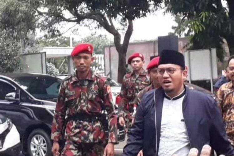 Ketua Umum Pengurus Pusat Pemuda Muhammadiyah periode 2014-2018 Dahnil Anzarmemenuhi panggilan tim penyidik Polda Metro Jaya, Kamis (7/1/2019).