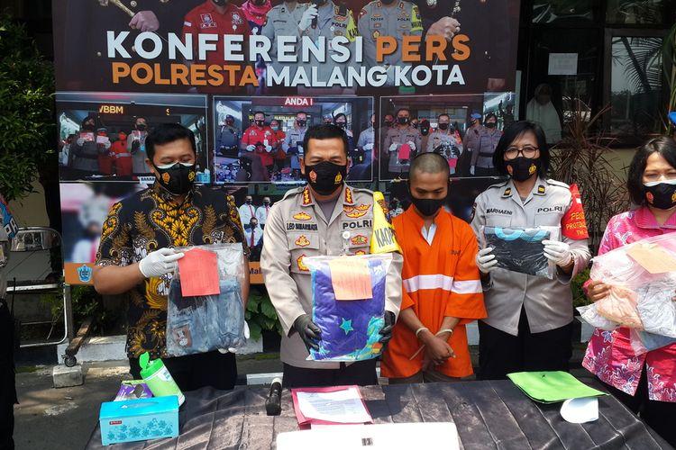 Jajaran Polresta Malang Kota saat merilis remaja yang cabuli anak di bawah umur di Mapolresta Malang Kota, Jumat (6/11/2020).