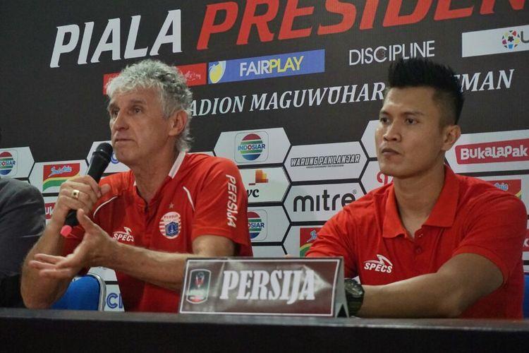 Pelatih Persija Jakarta Ivan Kolev dan Kiper Persija Jakarta Shahar Ginanjar saat jumpa pers usai laga melawan PSS Sleman