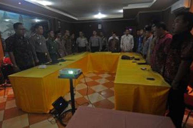 Ilustrasi: Penandatanganan deklarasi damai Pilgub Jatim di Kabupaten Pamekasan, tidak dihadiri Panwaslu Pamekasan, Ahad (11/8/2013).