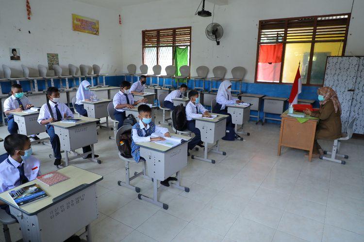 Pelaksanaan Pembelajaran Tatap Muka (PTM) di SMP Negeri 7 Palembang, Senin (6/9/2021).