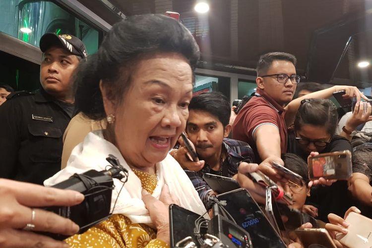 Adik BJ Habibie Sri Sudarsono saat berada di RSPAD Garot Subroto, Jakarta Pusat, Rabu (11/9/2019).
