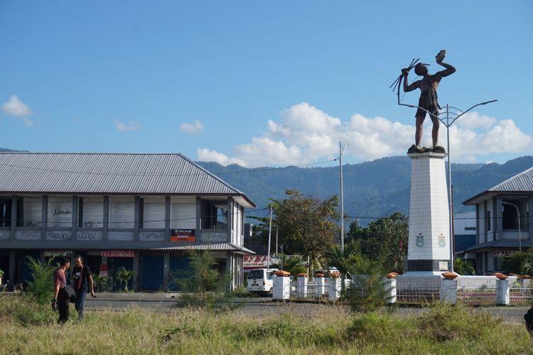 Tugu perjuangan di Kota Serui Kepulauan Yapen Papua