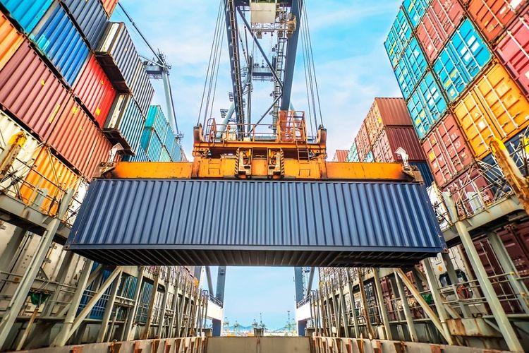 Ilustrasi kontainer di pelabuhan.