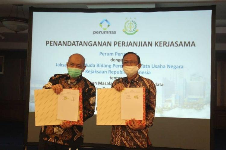 Jaksa Agung Muda Perdata dan Tata Usaha Negara (Jamdatun) Kejaksaan Agung (Kejagung) Ferry Wibisono menandatangani perjanjian kerja sama dengan Perusahaan Umum Pembanguan Perumahan Nasional (Perum Perumnas).
