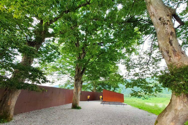 Potemkin merupakan salah satu instalasi seni di Echigo-Tsumari Art Field, Jepang
